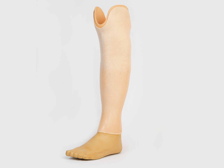 Протез ниже колена для купания или спортивный